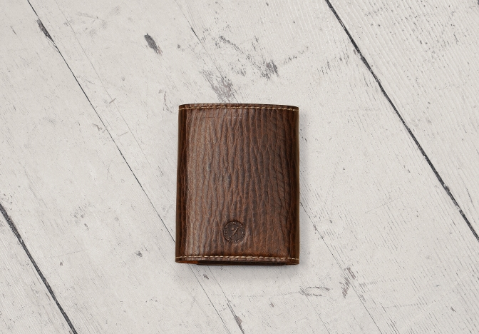 Hand-grained, espresso Card and Currency folder; 3 x 4%22