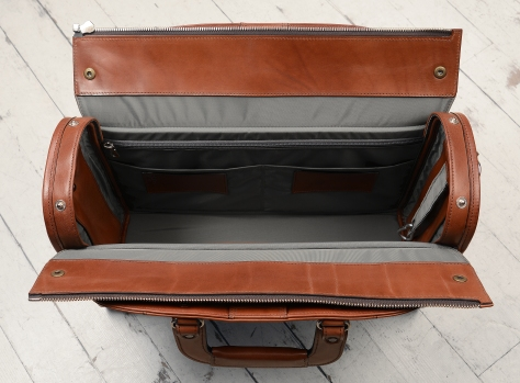 Hand-burnished,-espresso-Deal-Bag;-18-x-12-x-6″-topdown