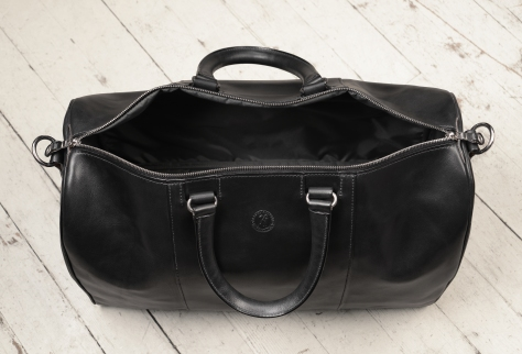 Hand-burnished,-black-Duffel-Bag;-19-x-13-x-9'-topdown2