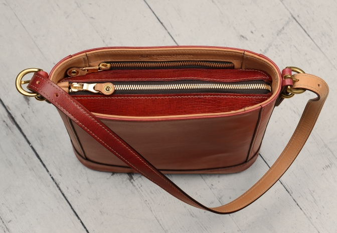Hand-grained,-hand-colored-berbere-red-Shoulder-Bag-with-natural-trim-and-short-strap;-10-x-10-x-3'-topdown2