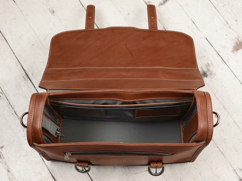 Hand-burnished,-espresso-Headhunter-Flaptop-Bag-with-natural-thread;-15-x-11-x-4'-topdown
