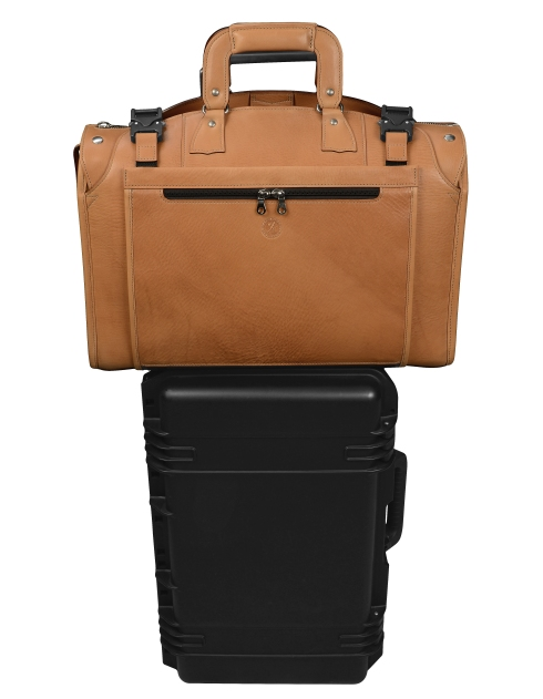 Hand-grained-natural-leather-Briefcase-Protector-and-Rollaboard-Sleeve.1