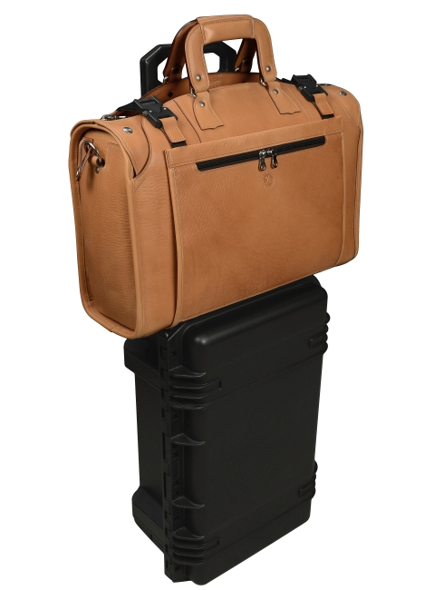 Hand-grained-natural-leather-Briefcase-Protector-and-Rollaboard-Sleeve.3