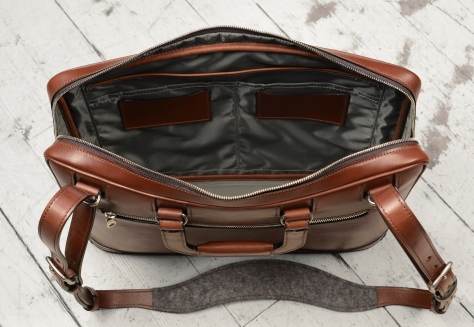 Hand-burnished-espresso-Platform-Portfolio-with-zip-back-pocket-and-shoulder-strap;-16-x-11-x-4'-topdown1
