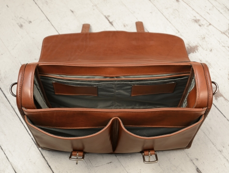 Hand-burnished,-handmade-espresso-Flaptop-Bag;-16-x-12-x-4'-topdown2