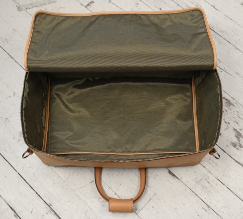 Hand-grained-natural-Square-Duffel-with-olive-green-lining;-20-x-13-x-8'-topdown2