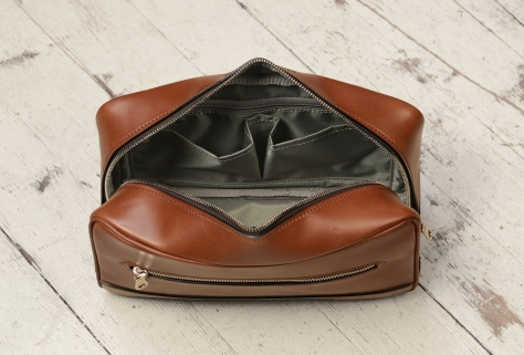 Hand-burnished-espresso-All-Leather-Travel-Kit-topdown2